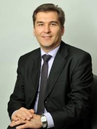 Заступник директора департаменту роздрібного бізнесу Піреус Банку в Україні Олександр Гниленко: